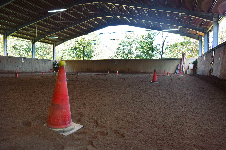 2019_Scuola-di-equitazione_08_campo_cono